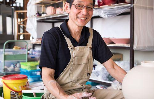 Ceramic artist Koji Hoashi